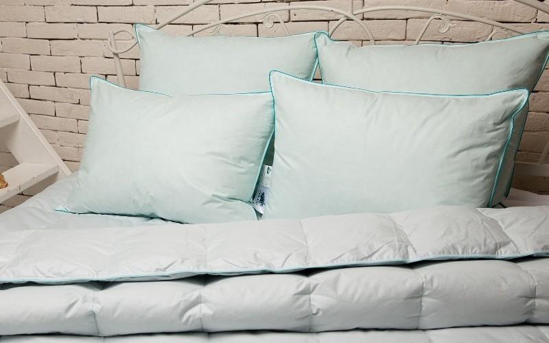 подушки белые 800х500